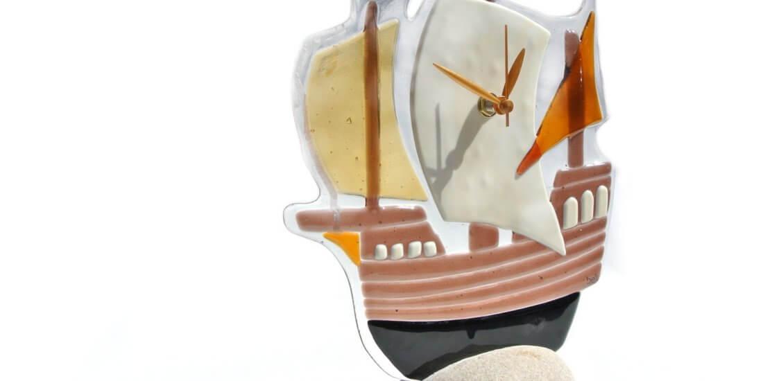 Karaka - sat ručno izrađen od stakla