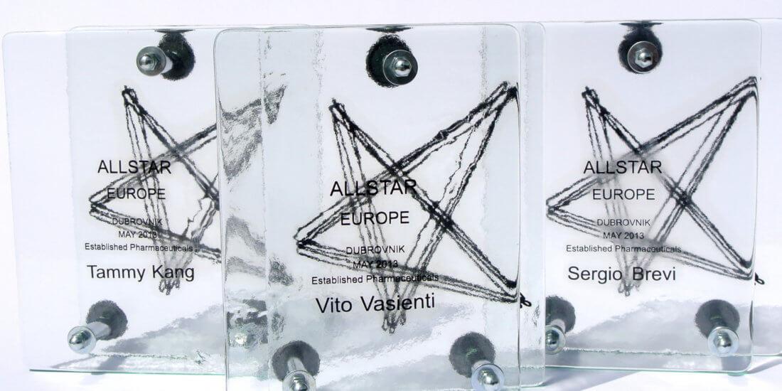Plakete izrađene od stakla